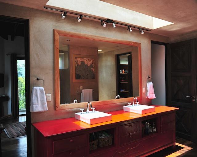 En suite bathroom of master bedroom - Spectacular design with Sunset Volcano views - Antigua Guatemala - rentals