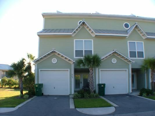 Welcome to Vacation Paradise Unit 903 - Apr-May Dates Available, Close to Beach Pets VP - Destin - rentals