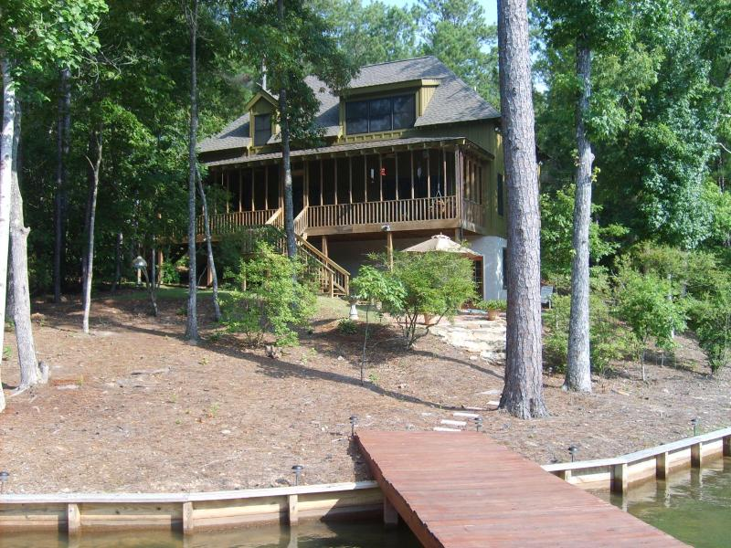 """The Greenhouse"" on Lake Martin, AL - Close to Auburn, LAKE MARTIN, AL  2 AU games OPEN - Dadeville - rentals"