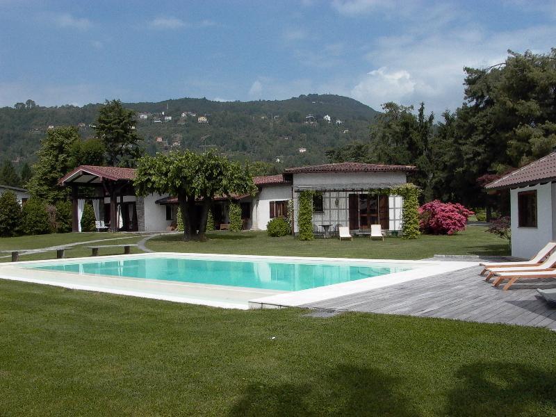Luxury Villa on Lake Maggiore Villa with Golf Course, Sailboat, Pool, and Tennis Court - Villa Solcio - Image 1 - Solcio di Lesa - rentals
