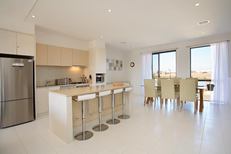 24 Coast Drive, Torquay - Image 1 - Torquay - rentals