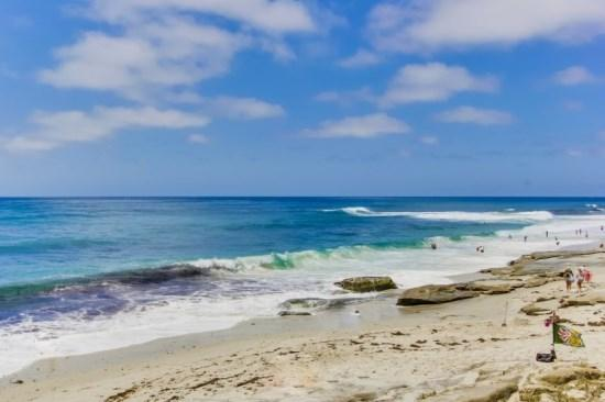 Relax in the white sand, surf Wind and Sea, or explore the rocky tide pools. - Gaby's La Jolla Beach Getaway - Lower Unit, 2 bdrm/2bath - La Jolla - rentals