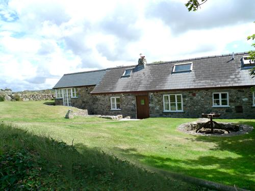 Pet Friendly Holiday Property - Ty Uchaf Mill, Pwllderi, Strumble Head - Image 1 - Pembrokeshire - rentals