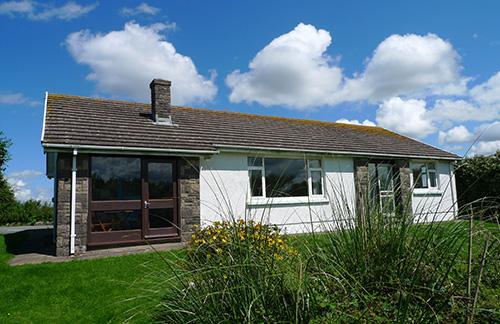 Pet Friendly Holiday Home - Hafod, Broad Haven - Image 1 - Broad Haven - rentals