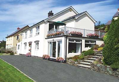 Pet Friendly Holiday Apartment - Swn y Dail, Wolfs Castle - Image 1 - Pembrokeshire - rentals