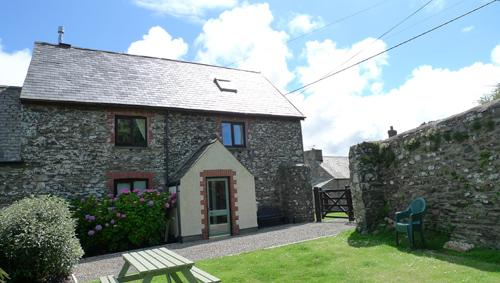 Pet Friendly Holiday Home - Pen yr Idlan, Mathry - Image 1 - Mathry - rentals