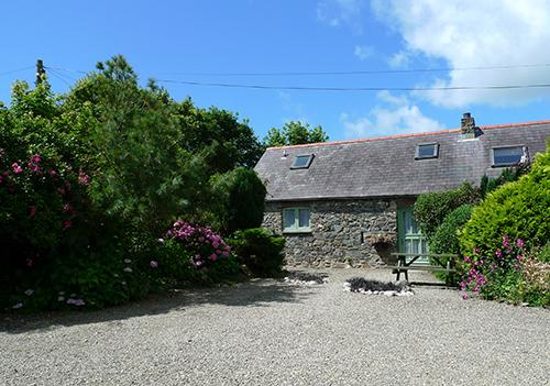 Pet Friendly Holiday Cottage - Rose Cottage, Lochvane, Nr Solva - Image 1 - Newgale - rentals