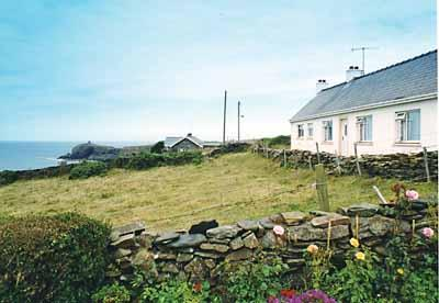 Holiday Cottage - Machlud Haul, Abereiddy - Image 1 - Abereiddy - rentals