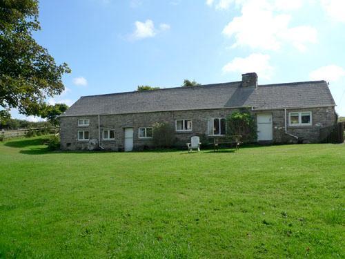 Pet Friendly Holiday Property - Rhodiad Mill, Rhodiad, Nr Whitesands - Image 1 - Pembrokeshire - rentals