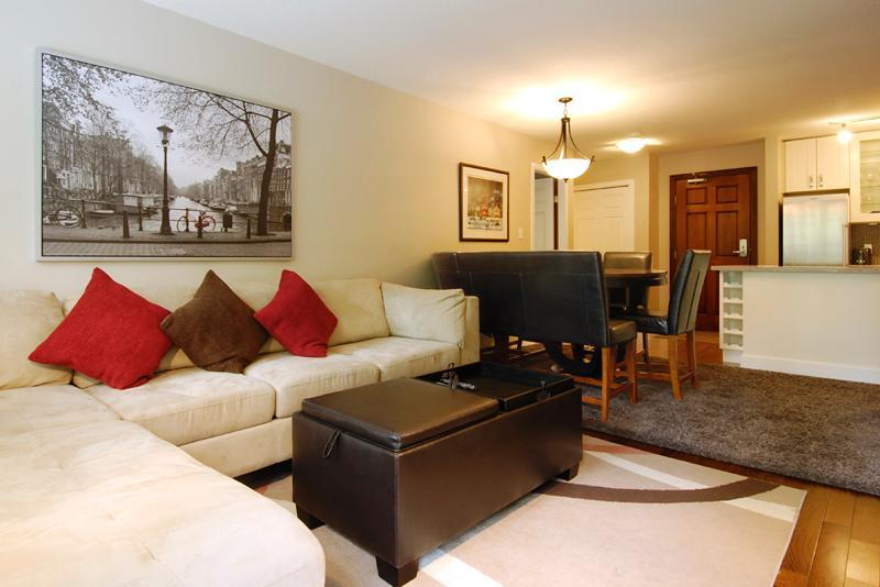 Deluxe appointment, full renovation of this perfectly positioned unit. Very comfortable and lots of room for a memorable Whistler Escape! - Absolute Ski in Ski out at 'The Aspens' - Whistler - rentals