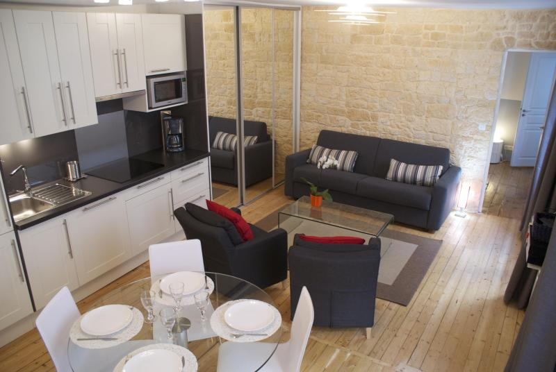 Welcome in our 1 bedroom 2 bathrooms 2 toilets apartment - CENTRAL = Montorgueil : 5 Sleeps, 2 Bathrooms ! - Paris - rentals