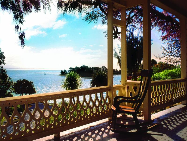The West Wing veranda - The West Wing at VILLA 10  (Waterfront) - Nelson - rentals