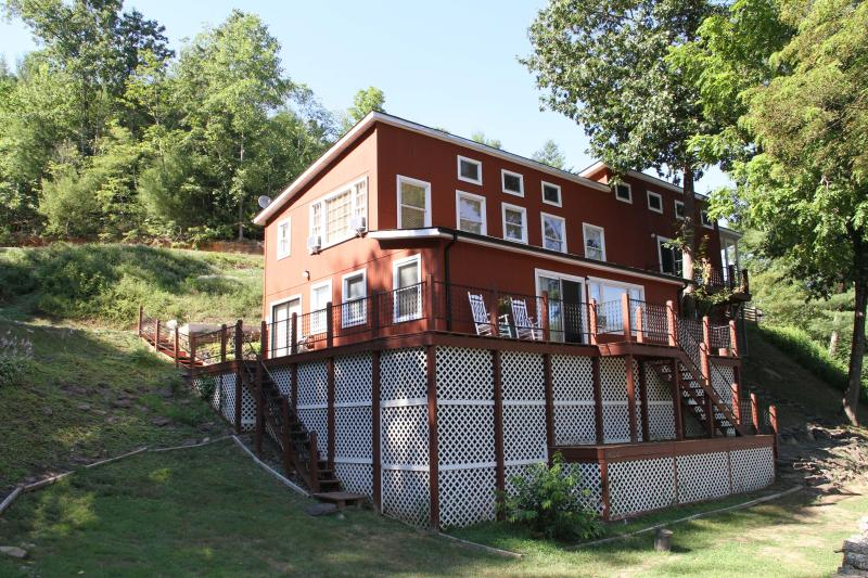 River Mist Retreat - Riverfront home on 40 private acres-Brand New Dock - Fries - rentals