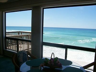 Scene from living room - GULF FRONT 4BR, 4B**SPRING FAMILY SPECIAL** HUGE 3000 sq' *PRIVATE BEACH! 5*s - Destin - rentals