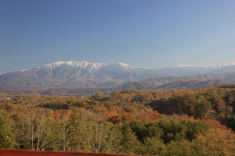 Beautiful Mountain Views 4BR5BA 1/2 priceZipline - Image 1 - Pigeon Forge - rentals
