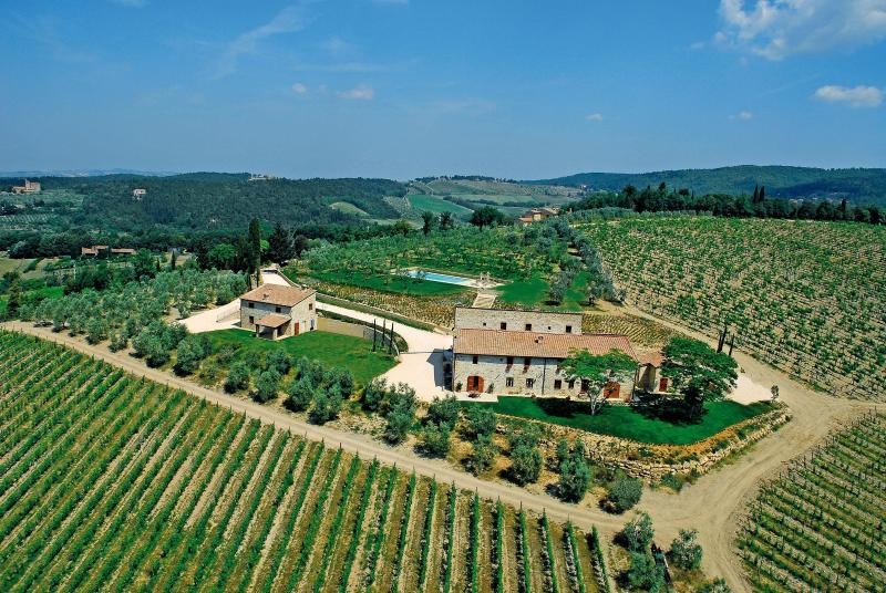 Rustic Countryside Farmhouse Between Florence and Sienna - Image 1 - Castellina In Chianti - rentals