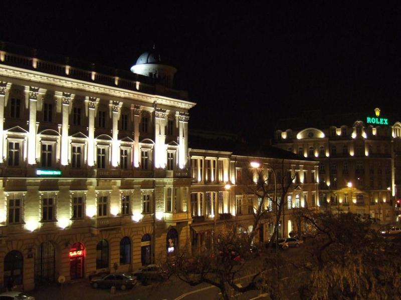 The view out the window at night - gorgeous - Absolutely Beautiful Studio - Warsaw's Royal Route - Warsaw - rentals