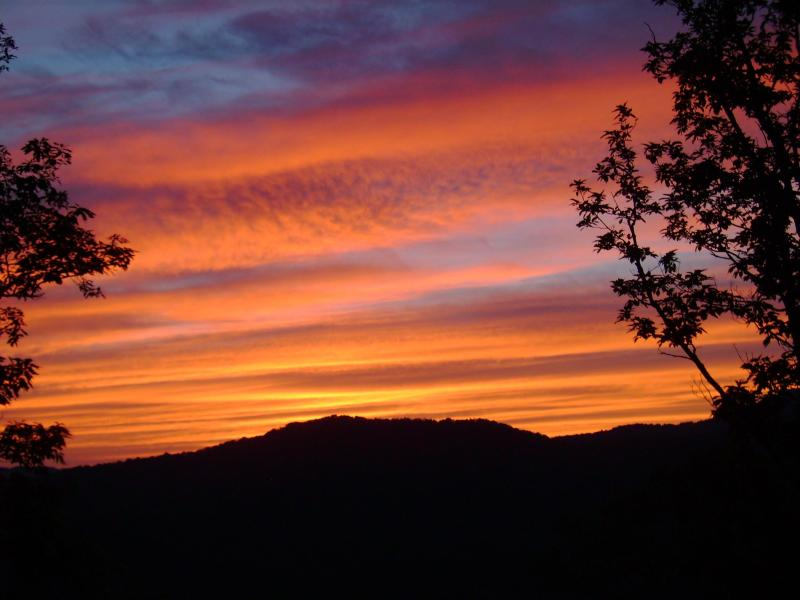 Gorgeous Sunset Views - Knob View Retreat - 3 Suites with Mountain Views - Asheville - rentals