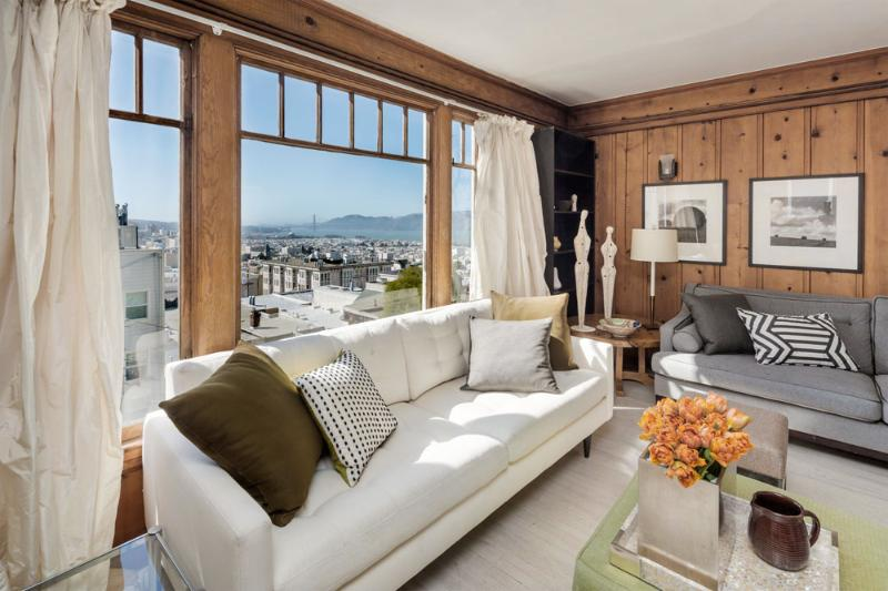 Living Room View over Golden Gate Bridge - Golden Gate Bridge Views -Beautifully Decorated - San Francisco - rentals
