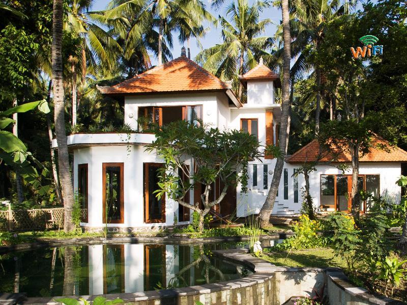 Villa Surya - elegant by design with ocean, rice terrace and river views - Bali Huge Villa 5 bed/AC/Chef/20 M pool/Icy Beer/ - Karangasem - rentals