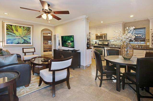 Living Room & Dining Area - BalboaGem-8 Homes To Sand! Avail from Jul 30-Aug 8 - Newport Beach - rentals