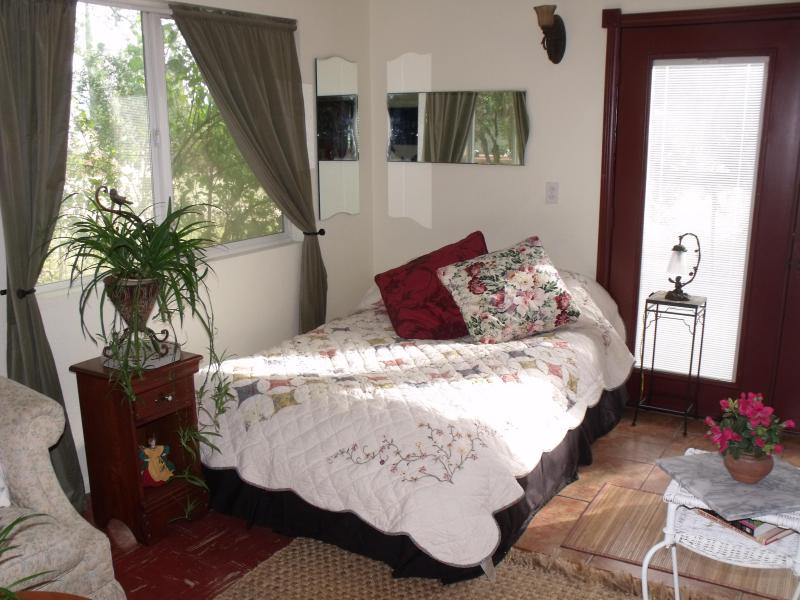 double triple organic cotton futon - Charming Country Cottage - Cherry Valley - rentals