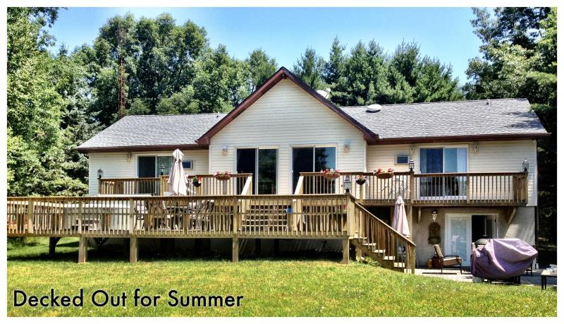 Decked out for summer - Luxurious Lake Front home - Blakeslee - rentals