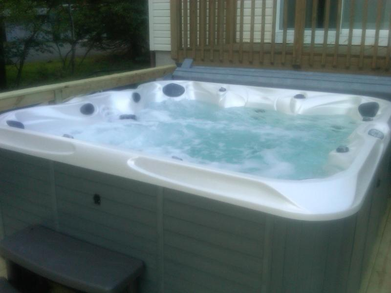 hot tub - Luxurious Lake Front home - Blakeslee - rentals