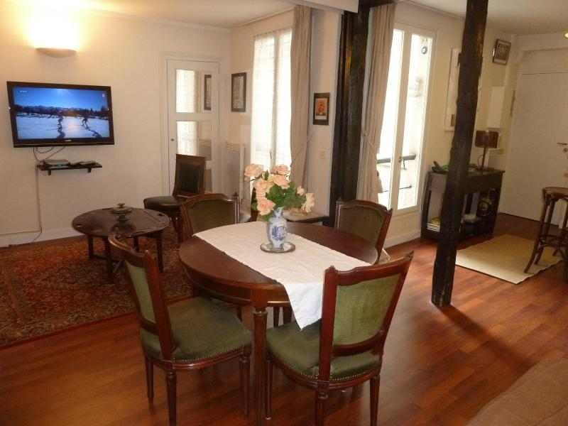 Dining area - Ideally located very nice one bedroom apartment - Paris - rentals