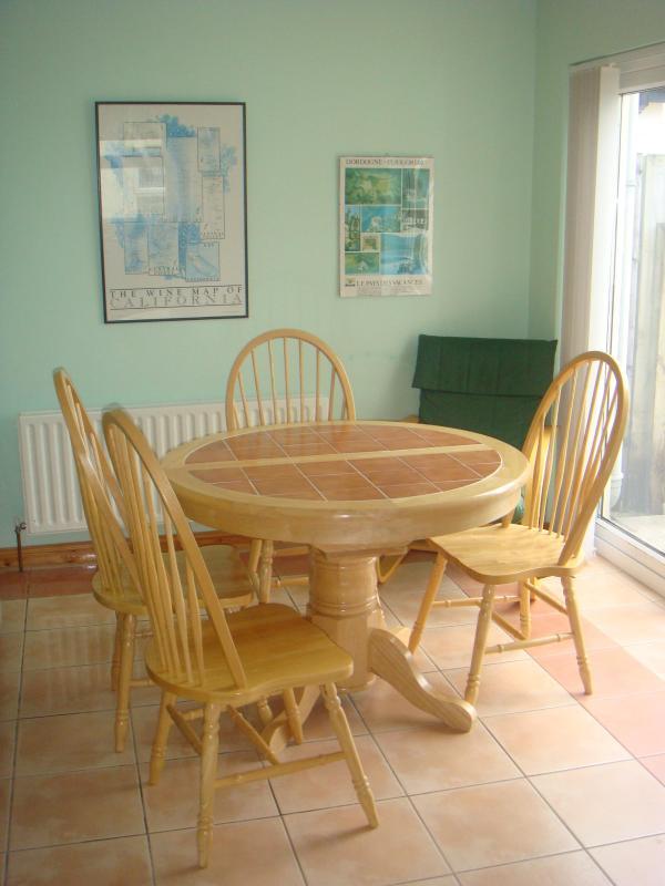dining area - Bushcove - Bushmills - rentals