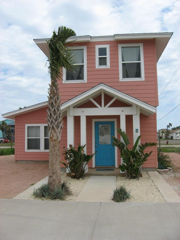 The Coral Cottage - Image 1 - Port Aransas - rentals