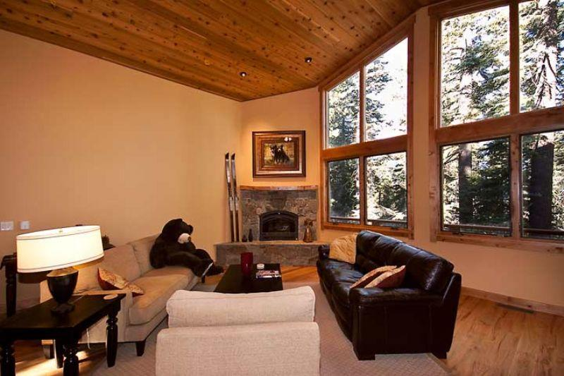 Copenhagen Chateaux-Spacious Luxury Cabin, Peaceful Wooded Settingsleeps 10!** - Image 1 - Truckee - rentals