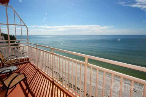 View from the private balcony off of the masterbedroom looking out to the beach and Gulf - 602 - Sunset Chateau - Treasure Island - rentals