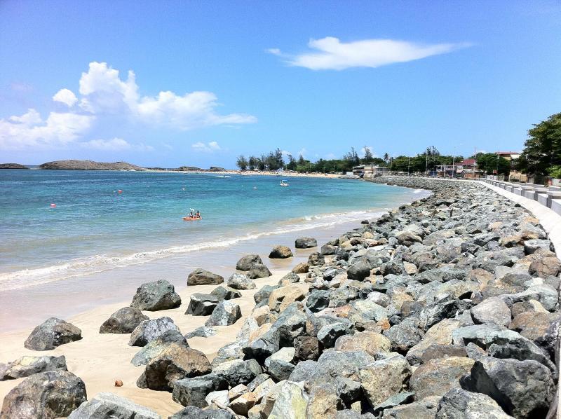 Vega Baja beach 2 minutes from the apartment - Penthouse Beach Apt in Puerto Rico - Vega Baja - rentals
