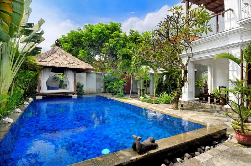 Relaxing Bale - Villa Rene with Family Pool Fence - Seminyak beach - Seminyak - rentals