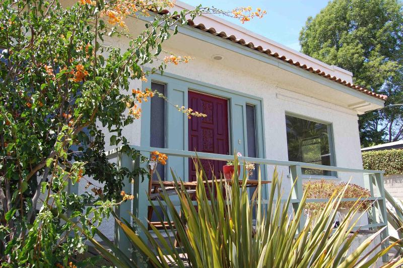 Front of house - Spanish Modern in Silverlake, View & Artist Studio - Los Angeles - rentals