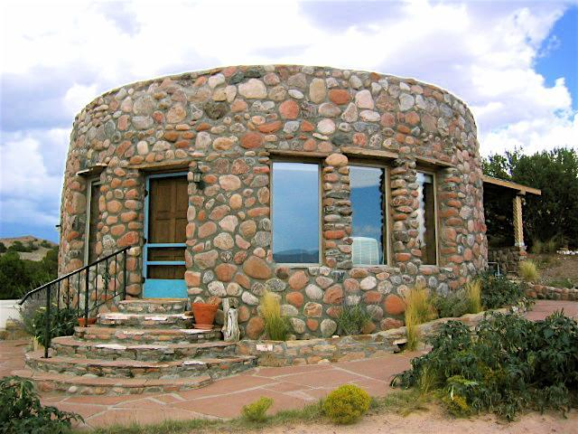 Abiquiu House/ Featured onThe Fine Living Channel - Image 1 - Abiquiu - rentals