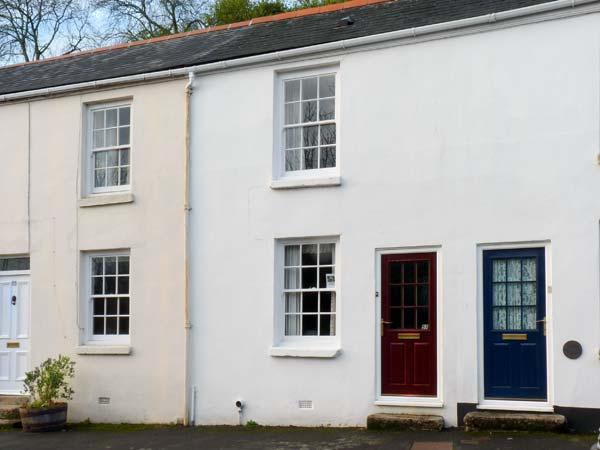 PRIMROSE COTTAGE, family friendly, character holiday cottage, with a garden in Tavistock, Ref 11584 - Image 1 - Tavistock - rentals
