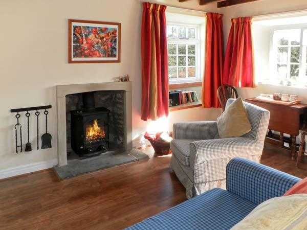 THE OLD WATCHMAKER'S SHOP, pet friendly, character holiday cottage, with open fire in Cropton, Ref 10354 - Image 1 - Pickering - rentals