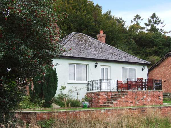 THE PINES, pet-friendly, country holiday cottage, with a garden in Bailey Lane End, Ref 11883 - Image 1 - Ross-on-Wye - rentals