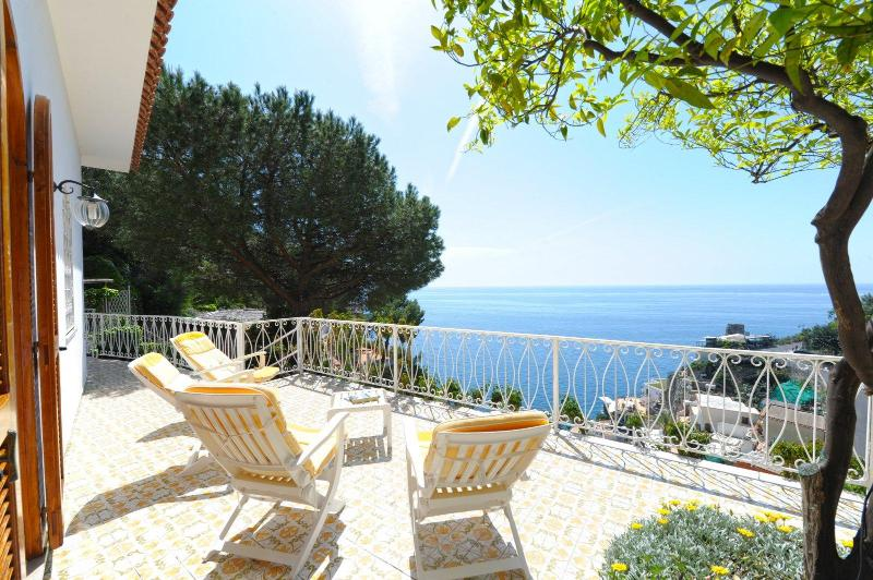 terrace - Torre Saracena - the family house - Praiano - rentals