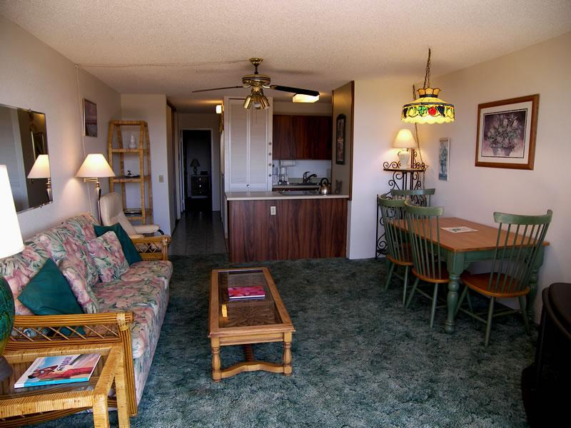 Open living & dining area - 2nd Floor Oceanview Maui Vista Condo (beach, pool) - Kihei - rentals