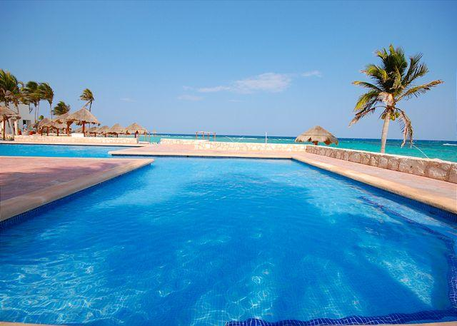 Resort pool and beach club are included for your enjoyment. - Cute and romantic, beachfront, Studio 001, Aventuras Akumal. Akumal Direct. - Akumal - rentals