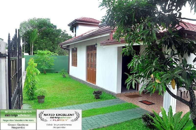 View From Road - Green Gardens Negombo - Negombo - rentals
