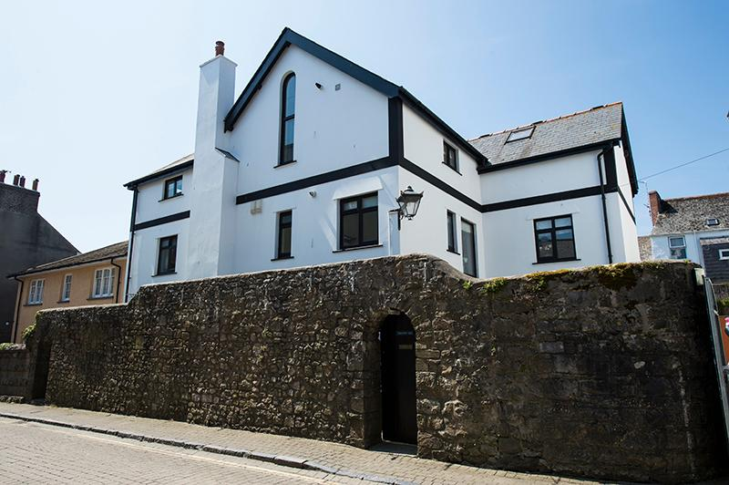 Wall Cottage - Image 1 - Tenby - rentals