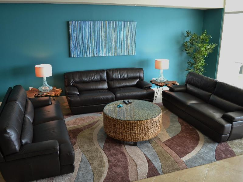 Three leather sofas in main room, overlooking Gulf - HUGE 600 sq ft room, fireplace, flat-panel TV - Make you Purr, Cat's Meow @ Turquoise Place C-2007 - Orange Beach - rentals