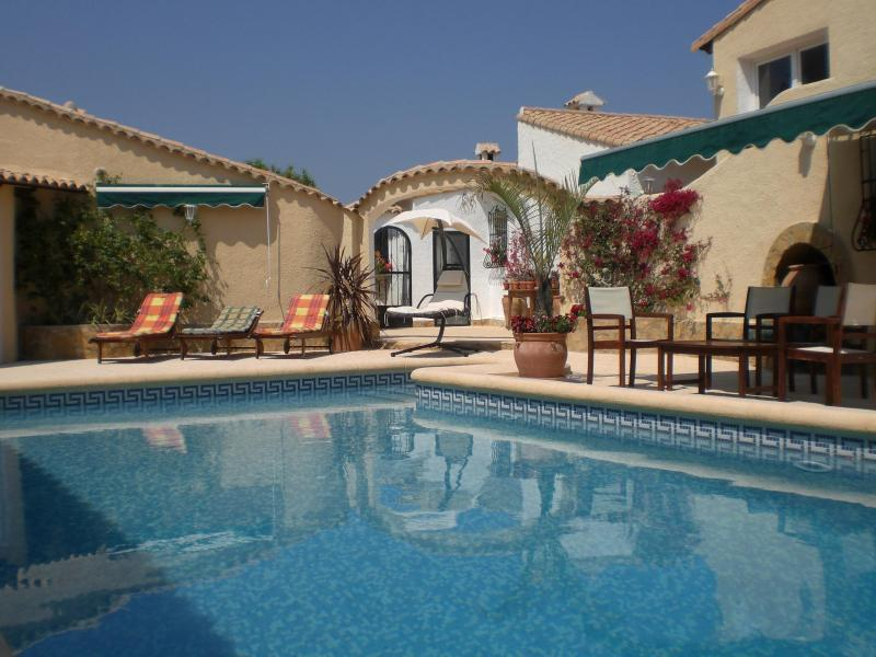 The pool and surrounding terrace - 2 bedroom, 2 ensuite villa with pool - views of Med - Benidoleig - rentals