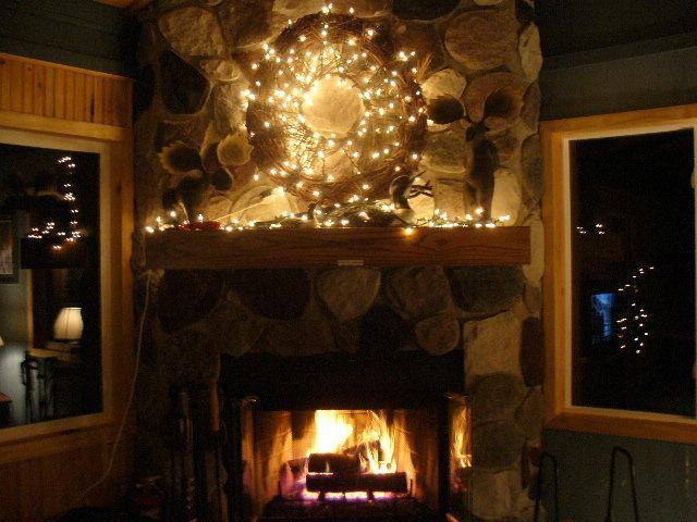 Wood-Burning Fireplace - Gorgeous 4-Bedroom Home Near Ski Hill & Everything - Marquette - rentals