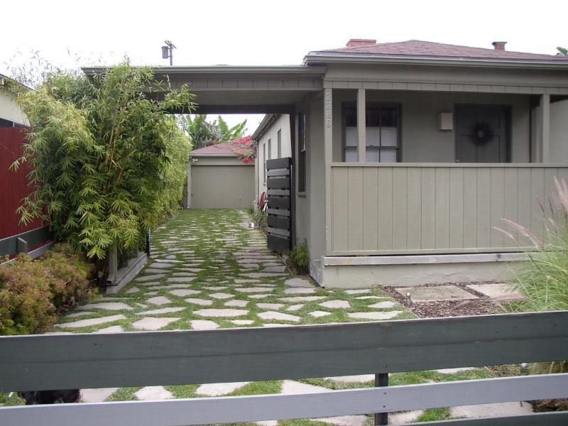 Venice House Exterior - Venice Beach Mid-Century Modern Home - SLEEPS 6 - Los Angeles - rentals