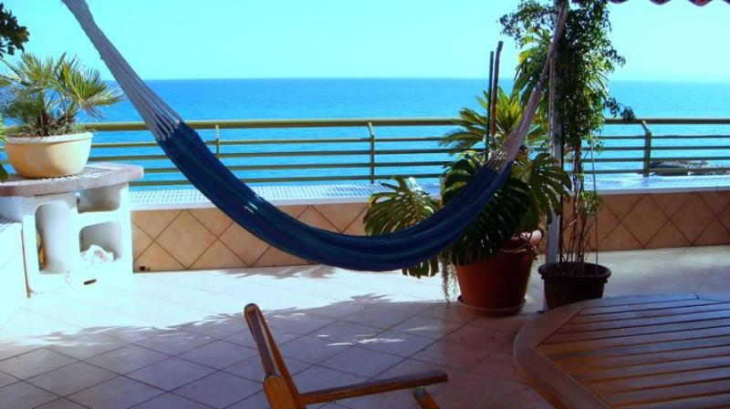 Big terrace directly on the seaside - ROCAFEL directly on the seaside in Alicante, Spain - Alicante - rentals